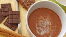 Kakaotasse und Schokolade